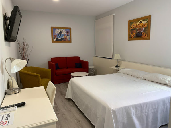 IMG 0551 600x450 - Suite con salón