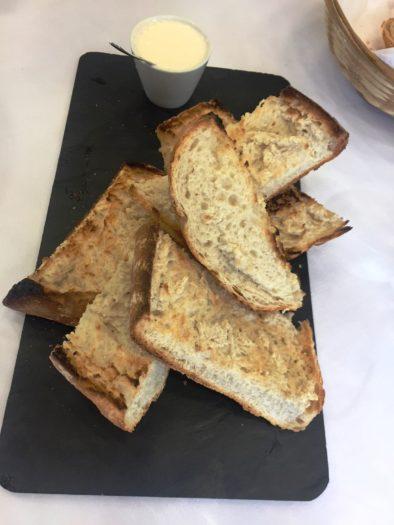 Aperitivo pan con alioli